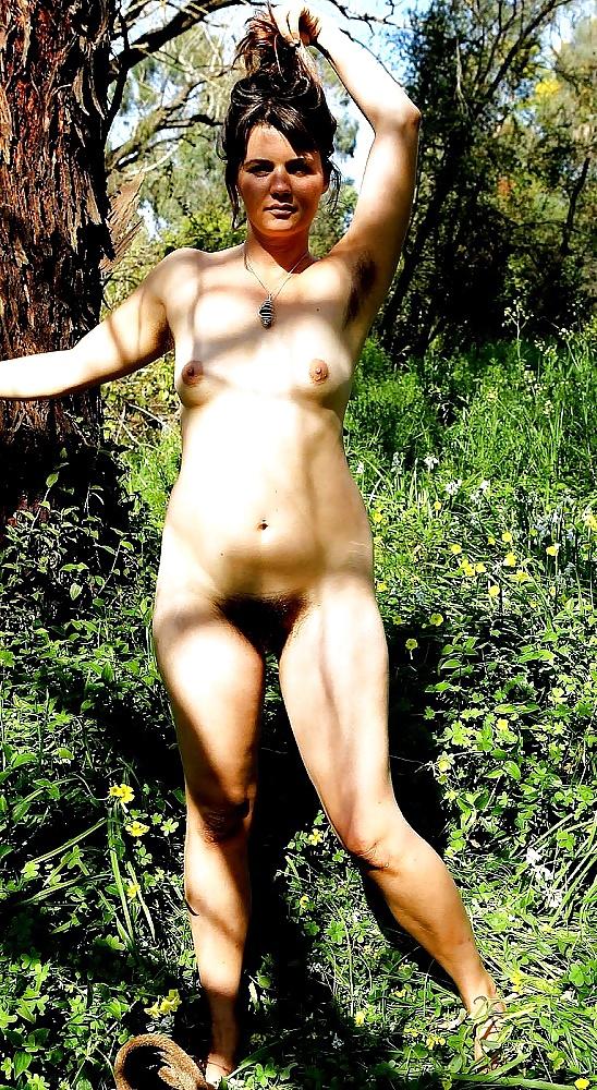 reife frauen nackt in der natur