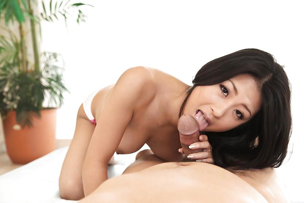 Asiatische Küken zeigen uns Nacktbildern von ihrem