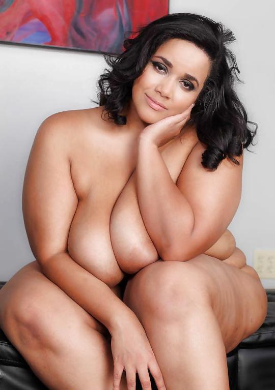 Mollige Schwänzen und Küken in Nacktbildern