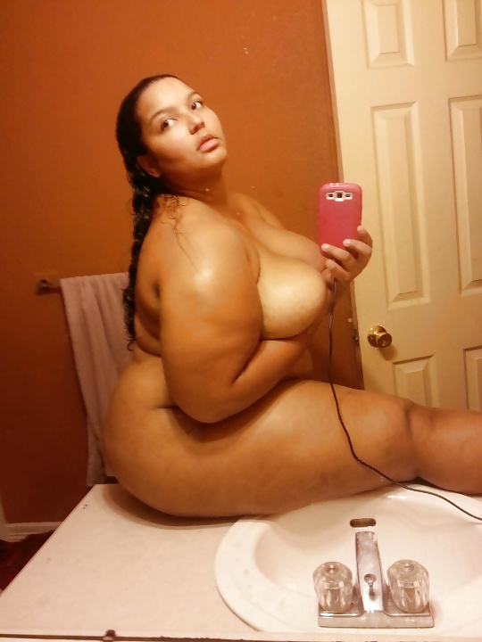 mollige nackte selfie