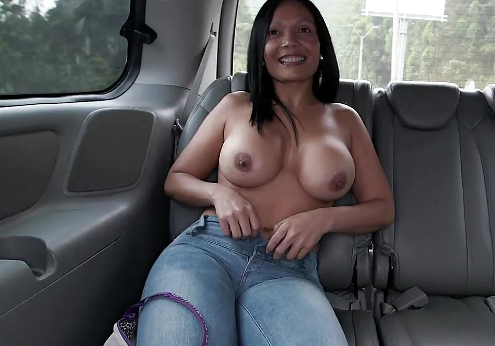 Entspannende Bildern aus riesigen Brüsten