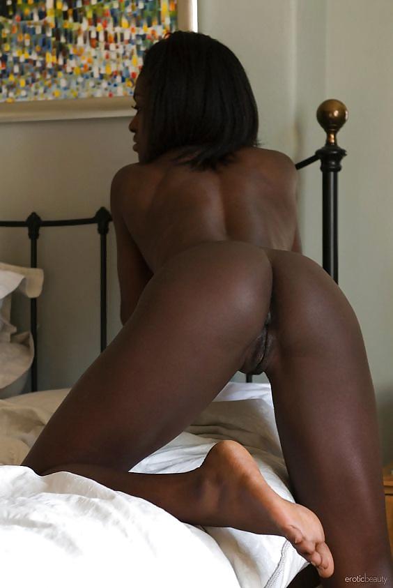 nackte afrikanische schwarze frau