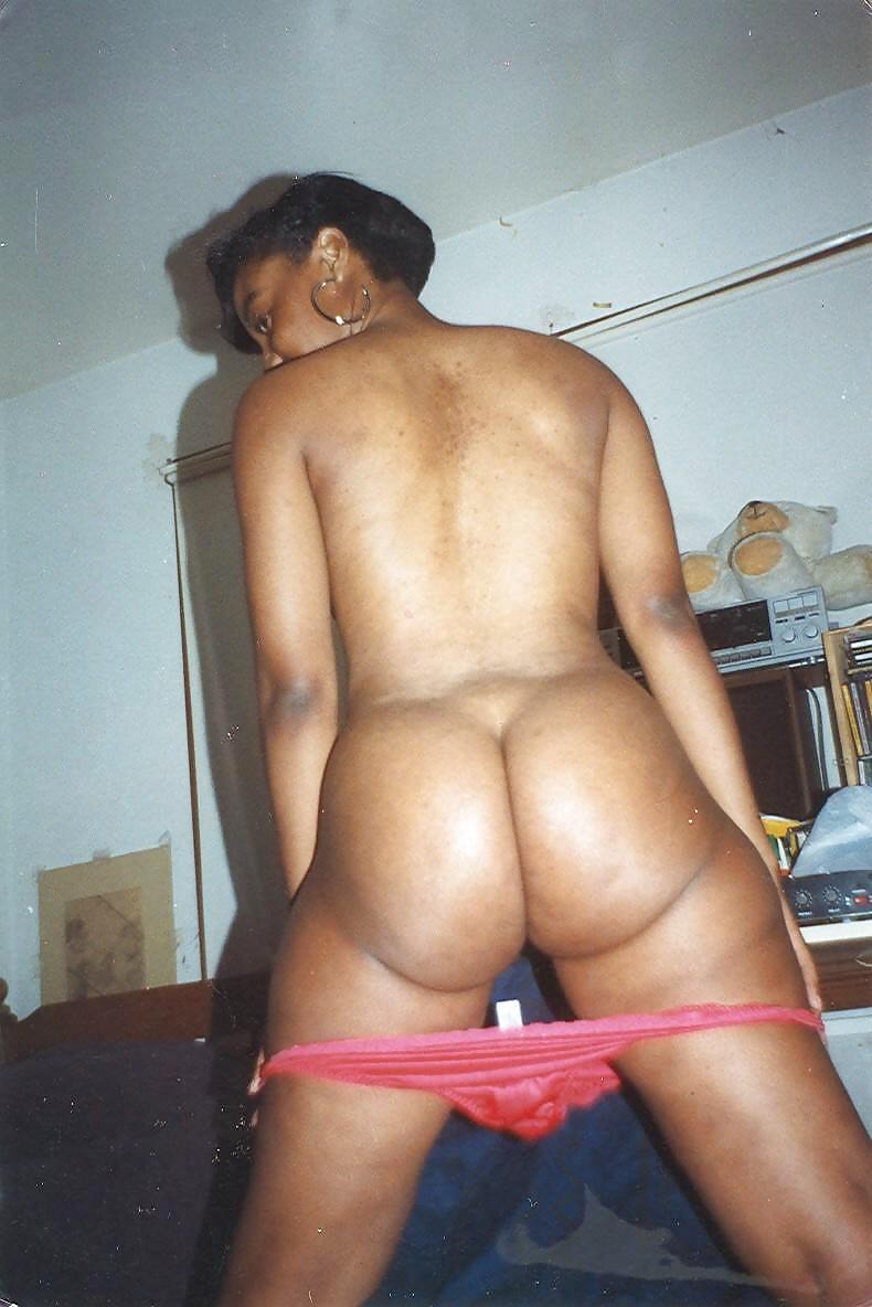 Farbige Bilder von nackten Schlampen