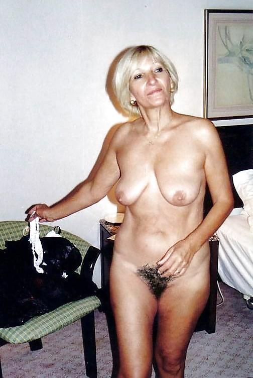 Frauen über 50 nackte Geile Frau