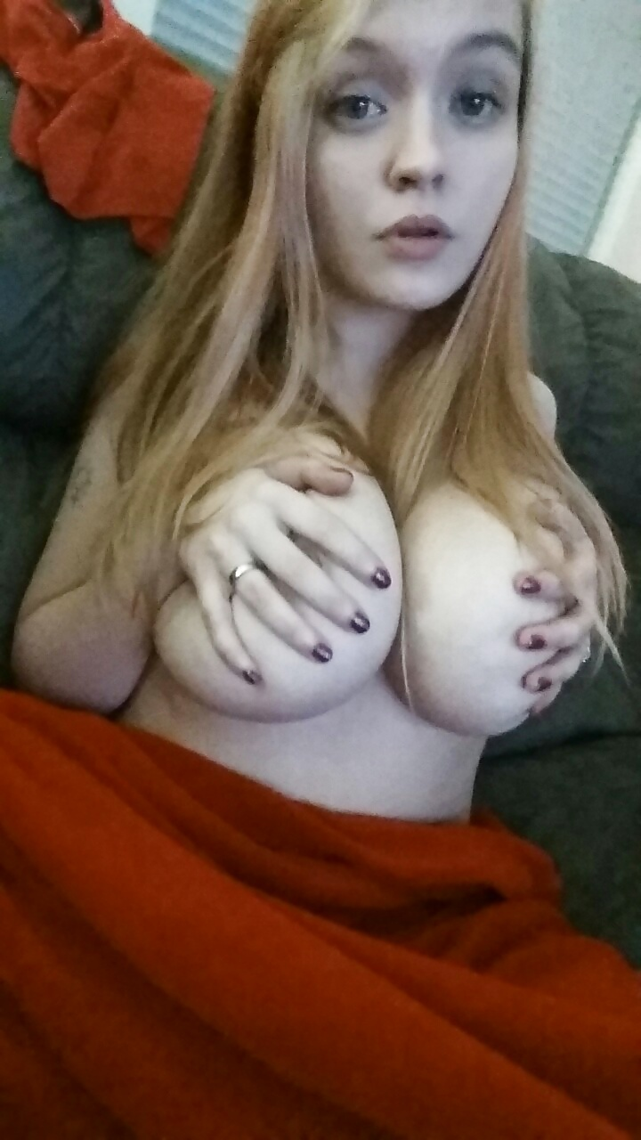 Webcam smooth pink pussy