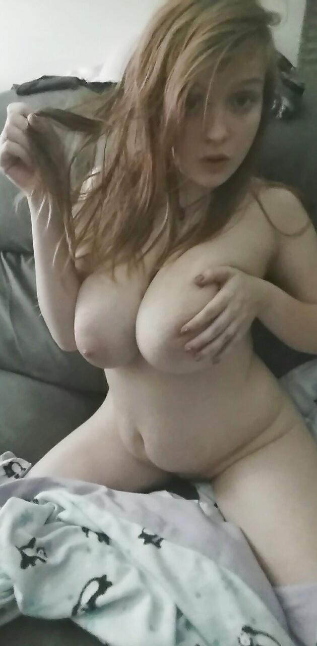 Große brüste nackt kostenlos