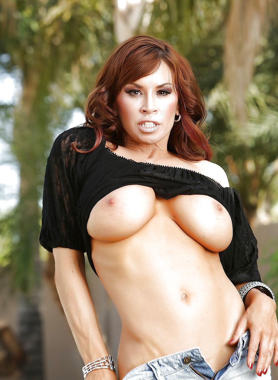 naked woman orgasm