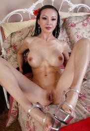kostenlose asiatische nacktfotos per e-mail