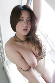 Rika Aiuchi mit grosse Titten haben aufrische Haut
