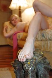 Blonde Teen hat leckeren Foot.